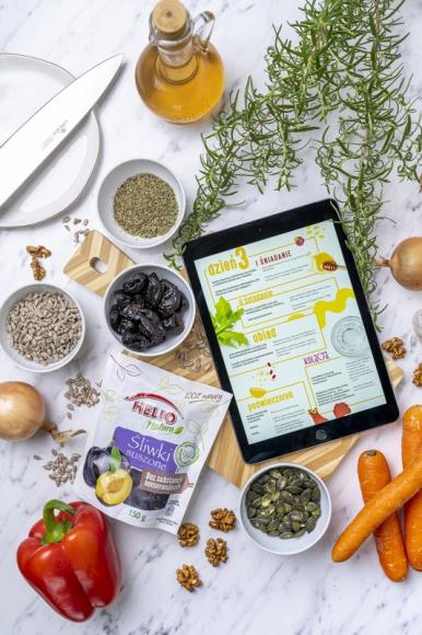 """Zdrowe postanowienia z HELIO Natura Zdrowie, LIFESTYLE - Ile razy mówiłaś, mówiłeś sobie: """"Będę się zdrowo odżywiać""""? Teraz jest ten moment. Wystar-czy wprowadzić do codziennego jadłospisu kilka ważnych składników, aby poprawić swój styl jedzenia."""